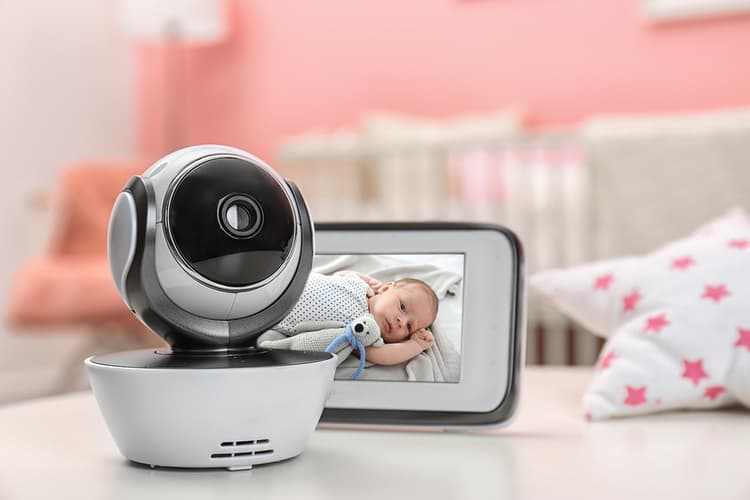 Check the specific features in our baby video monitor reviews Australia list below.