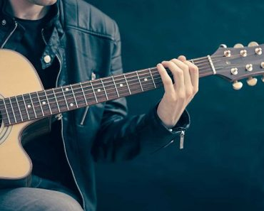 Australian Guide To Finding The Best Acoustic Guitar 2021